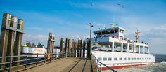 """Die Überfahrt mit der Fähre von Norddeich-Mole nach Norderney dauert rund eine Stunde. Für die Rückfahrt von Norderney nach Norddeich-Mole können Platzreservierungen im """"Haus der Schifffahrt"""" in der Bülowallee 2 oder direkt am Anleger im Hafen gemacht werden. Details zu den Tarifen, Fährzeiten sowie kurzfristige wetterbedingte Fahrplanänderungen erhalten Sie hier:"""