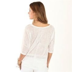 T-Shirt in Weiß mit feinem Ajour-Muster