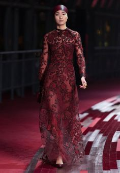 Valentino Official Website - Valentino Women Shanghai Pret a Porter Collection.