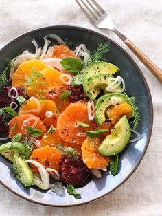 Detox Diet Plan: A Complete Guide to Cleanse Body Detox citrus fennel & avocado salad. Detox healthy salad recipes ideas for belly fat. Best green salad for weight loss. Citrus Recipes, Avocado Recipes, Whole Food Recipes, Salad Recipes No Lettuce, Dinner Recipes, Food Salad, Orange Recipes, Juice Recipes, Spring Recipes
