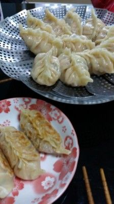 Kimchi Dumplings- for a Korean kimchi is the staff of life and best eaten at every meal and added to most food. For me, a American living in Korea and allergic to the vegetable pepper in all of its forms it is a nightmare.
