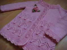 Baby Knitting Patterns Sweter This Pin was discovered by hab Baby Knitting Patterns, Kids Patterns, Knitting For Kids, Crochet For Kids, Knitting Stitches, Dress Patterns, Crochet Baby, Knit Crochet, Knit Baby Sweaters