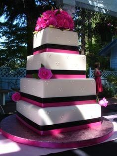 #weddings #cakes #pink #flowers #weddingcakes