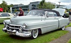 1951 Cadillac Series 62 Two-Door Convertible (3rd Gen) 5.4L V8 OHV engine (R.KNIGHT)