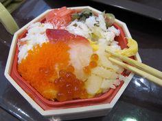超貴的海鮮便當!幾分鐘這幾百元的便當就消失了...吃完充滿空虛的感覺。 北海道食玩樂日本商品展(新光三越)