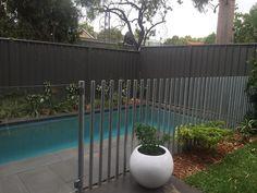 Pool Fencing in Perth: Thinking Outside the Box – Team Work Fencing Aluminum Pool Fence, Metal Pool, Glass Pool Fencing, Pool Gazebo, Backyard Pool Landscaping, Backyard Pergola, Pergola Ideas, Patio Roof, Pergola Plans