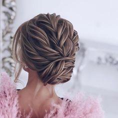 Drop-Dead Gorgeous Wedding Hairstyles - wedding hairstyle , bridal hairstyle #updo #messyupdo #weddinghair #hairstyles #weddinghairstyles