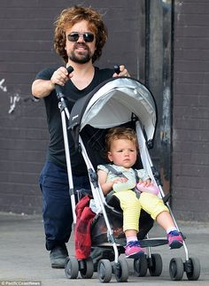 Dinklage day out: Game Of Thrones actor Peter Dinklage enjoyed a stroll i New York with his two-year-old daughter on Monday The Best Series Ever, Best Tv Shows, Best Shows Ever, Khal Drogo, Dessin Game Of Thrones, Game Of Thrones Pictures, Jon Snow, Watch Game Of Thrones, Game Of Throne Actors
