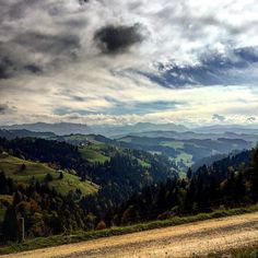 #skylovers #cloud #cloudlovers #nature #naturelovers #beautiful #amazing #awesome #great #perfect #nice #style #stunning #igers #travel #traveler #traveling #love #blessed #bike #summer #emmental #igers #europe #switzerland #bern #luederenalp #mountains #alps #picoftheday #nice by sim_kell