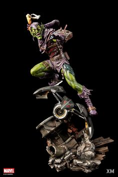 Pre-Order XM Green Goblin now here with us in europe. Great villains within the world of Spider-Man, but there are none more feared than Green Goblin. Dc Comics Vs Marvel, Norman Osborn, Marvel Statues, Spiderman, 3d Figures, Action Figures, Comic Villains, Greatest Villains, Studio Green