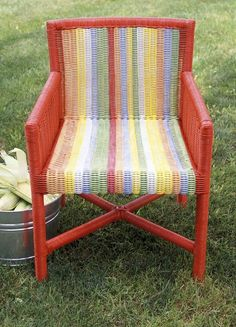 Spray paint ideas for my new coffee table! Spray-paint a wicker chair in stripes!