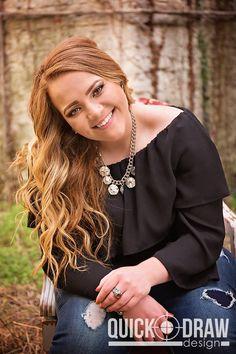 Senior Girl Portrait Photography | www.Quick-DrawDesign.com