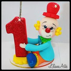 Topinho de bolo Palhaço Circus First Birthday, Circus 1st Birthdays, First Birthdays, Clown Party, Crazy Cakes, Sea Theme, Biscuits, Cake Decorating, Clay