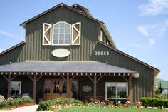Ponte Family Winery - This #Temecula, CA #winery only sells their wines at their tasting room or through their website.  Must see! http://www.cheers2wine.com/Temecula-wineries.html
