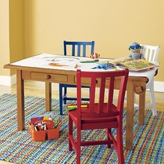 Adjustable Height Play Table