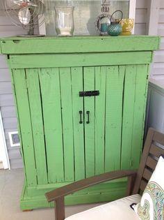 pallet outdoor storage cabinet