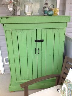 pallet outdoor storage cabinet