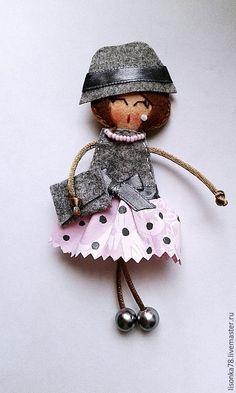 Купить Брошь-куколка из фетра - разноцветный, брошь, брошь ручной работы, брошь из ткани