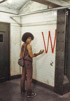 The Warriors, 1979 - Can you dig it? The Warriors 1979, Great Films, Good Movies, Warrior Movie, Rock Poster, Films Cinema, Movie Sites, Street Art Graffiti, Film Stills