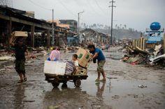 Informal supply chains help feed typhoon survivors - Yahoo News Philippines