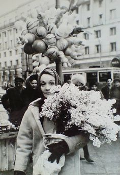 Marlene Dietrich (1901 - 1992) on Her way to the Ghetto Fighters Monument (flowers) in Warszawa (Warsaw)  Poland - Warszawa (Warsaw), 1964