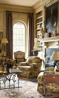 An English country house. An English country house. … an English country house. English Interior, Classic Interior, Home Interior, Interior Design, Country Interior, Interior Paint, Interior Architecture, Traditional Decor, Traditional House