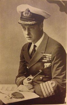 On board HMS Repulse Eduardo Viii, Hms Prince Of Wales, Royal Family Trees, Wallis Simpson, Pipe Smoking, Prince Edward, Royal Navy, British History, Smokers