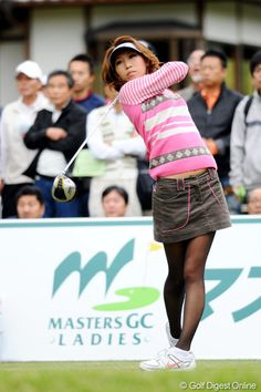 Ladies of Golf rocking those tights! Girls Golf, Ladies Golf, Golf Sexy, Cyberpunk Girl, Lady Stockings, Quoi Porter, Pantyhose Heels, Gorgeous Feet, Japan Girl