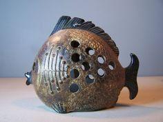 Alte japanische Steinzeug Keramik Fisch Figur von highwatervintage