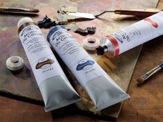 Winsor & Newton Artists' Oil Colour  is unmatched for its purity, quality and reliability - a success which is reflected in its world-wide reputation amongst professional artists.