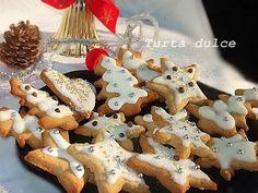 diana's cakes love: Turta dulce pentru Craciun Christmas Desserts, Gingerbread Cookies, Diana, Biscuits, Deserts, Good Food, Sweets, Cooking, Recipes