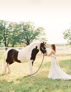 Oklahoma bridals with a horse @ Wedding-Day-Bliss