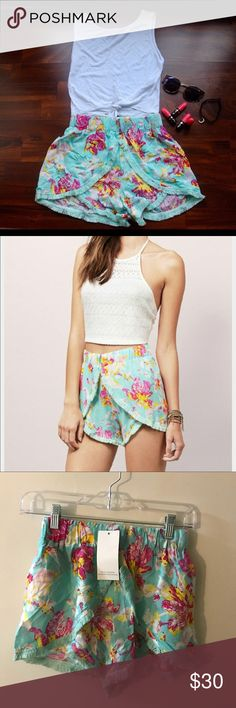 Tobi Floral Soft Shorts Tobi flowly fringe shorts with adjustable waist band :-)  brand new, never been work & with tag! Tobi Shorts