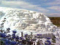 The Salt Hills in Egerszalók, Northern Hungary. As well as naturally forming these fantasy structures, these thermal waters are medicinal. This looks just like Pamukkale in Turkey! Wonderful Places, Beautiful Places, Hungary Travel, Earth Photos, Heart Of Europe, Parc National, World Photo, Pamukkale, Budapest Hungary