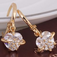 18K Gold Plated Fashion Shining Heart and Flower Shape Inlaid White Zircon Copper Drop Earrings