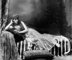 Circa 1895. Lily Langtry as Cleopatra.