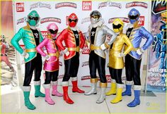 Dino Charge Red Ranger | This Photo Set: Who's ready to meet the new Power Rangers Dino Charge ...