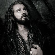 Thorin II Oakenshield, King Under the Mountain. (gif)