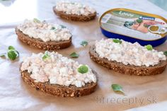 Lososová nátierka s cottage cheese z 3 surovín Krispie Treats, Rice Krispies, Cottage Cheese, Tofu, Smoothie, Good Food, Low Carb, Tasty, Healthy
