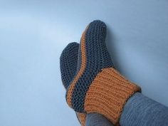 Bed Socks Knitting Pattern 2 Needles : 2 needle sock slipper pattern Free Knitting Patterns Pinterest Socks, P...