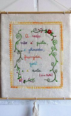 """**MODELO EXCLUSIVO ARTE E OFÍCIO ATELIÊ** Feito com tecido 100%algodão, bordado à mão. Inspiração: """"Lenço dos namorados""""- artesanato português. Embroidery Art, Cross Stitch Embroidery, Embroidery Designs, Mexico Culture, String Art, Holidays And Events, Diy Gifts, Needlework, Patches"""