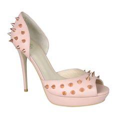 Juxta-shoe-position: ballet pink with metal studs :)  Fiorenza