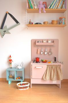 Wooden toy kitchen. BAM model. #woodentoy #woodenkitchen #macarenabilbao