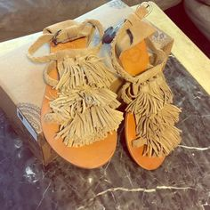 Tan sandals✨ Never worn. Ecote Shoes Sandals
