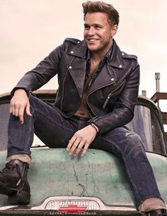 Olly Murs, how I would kill to see you live! Olly Murs Shirtless, Leather Jeans Men, Leather Jackets, Men's Leather, Hommes Sexy, Korean Men, Our Lady, Man Crush, Stylish Men