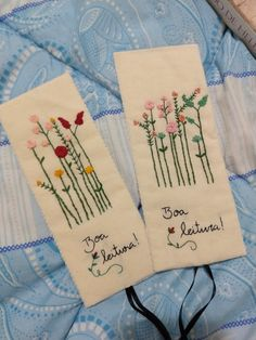 Flower Embroidery Designs, Embroidery Art, Embroidery Stitches, Creative Bookmarks, Ideias Diy, Embroidered Cushions, Planner, Moleskine, Book Art
