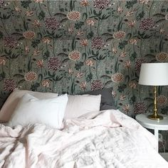 Lovely bedroom with wallpaper Aurelie turquoise on the wall - Sandberg Wallpaper White Wall Bedroom, Floral Bedroom, White Walls, Swedish Design, Scandinavian Design, Bedroom Inspo, Bedroom Decor, Bedroom Ideas, Design Your Home
