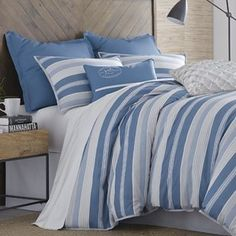 Quilts and Comforter sets Down Comforter, King Comforter, Comforter Sets, One Bed, Ruffle Bedding, Cotton Duvet, Quilt Sets, Duvet Cover Sets, Comforters