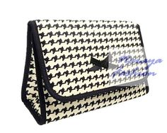 Naraya Cosmetic Bag (NB-60L) Vintage $10 (Dimension: 18 x 6 x 12cm )