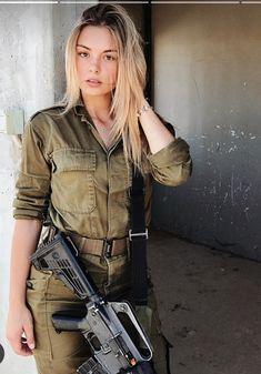 Women in Uniform : Hot Girls of Israel Army Idf Women, Military Women, Wallpaper Arma, Mädchen In Uniform, Israeli Female Soldiers, Israeli Girls, Outdoor Girls, Military Girl, Girls Uniforms